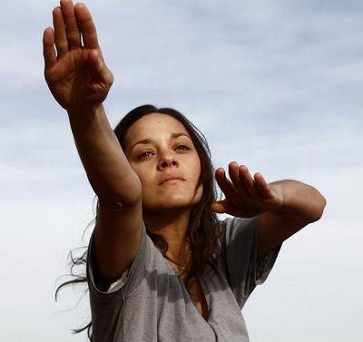 Marion Cotillard: actrita a ratat premiul la Cannes in 2012 in fata romancelor Cosmina Stratan si Cristina Flutur pentru ca este prea cunoscuta