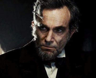 Steven Spielberg: cum a reusit sa-si depaseasca toate filmele cu Lincoln, cel mai nominalizat film la Globurile de Aur din cariera regizorului american