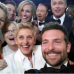In 2014, selfie-ul facut de gazda show-ului, Ellen DeGeneres, impreuna cu cele mai mari staruri de film, a stabilit un nou record, fiind cea mai distribuita imagine din istorie pe Twitter, de peste 3 milioane de ori. Plus, Twitter a cazut timp de cateva minute dupa ce poza a fost urcata de Ellen. In imagine apar staruri ca Jennifer Lawrence, Angelina Jolie, Meryl Streep, Brad Pitt etc.