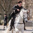 Colin Farrell este pe cai mari in New York: imagini din Winter s Tale, noul film al actorului