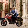 Knight And Day: Tom Cruise l-a sunat pe regizor si i-a spus acestuia ca vrea sa faca o cascadorie cu motocicleta. Cand te numesti Tom Cruise esti lasat sa faci ce vrei :)