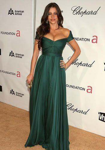 Sofia Vergara: Sanii mei sunt reali. Actrita din Modern Family a dezvaluit pentru Vogue cat de greu ii este sa ramana un sex simbol la 41 de ani