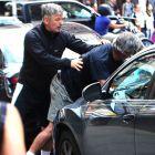 Alec Baldwin s-a luat la bataie cu jurnalistii pe strazile New York-ului: actorul este implicat intr-un nou scandal cu presa tabloida