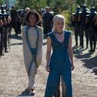 Game of Thrones a fost reinnoit pentru inca 2 sezoane: premiera sezonului 4 a facut record de audienta, dar a starnit reactii controversate