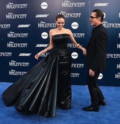Brad Pitt, atacat si lovit in fata de un strain la premiera mondiala a filmului Maleficent: vezi imaginile care au facut inconjurul lumii