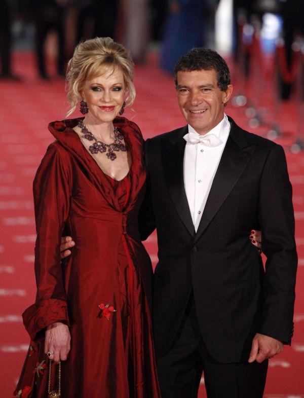 Si-au spus adio dupa 18 ani de mariaj. Antonio Banderas si Melanie Griffith divorteaza - procinema.protv.ro
