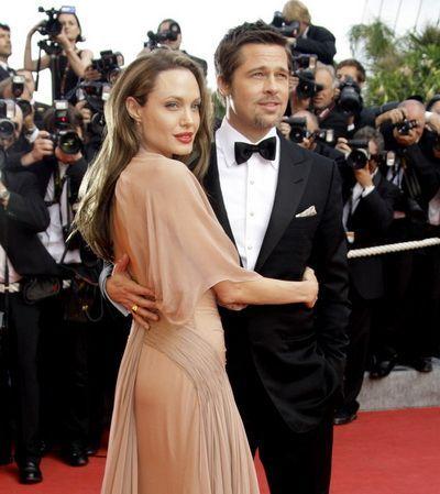 In sfarsit. Angelina Jolie si Brad Pitt s-au casatorit, oficial, dupa aproape 10 ani. Vestea a fost confirmata de reprezentatii starurilor