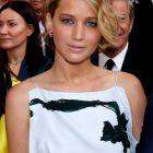 Zeci de fotografii nud cu Jennifer Lawrence, furate de un hacker si puse pe internet. Kate Upton si Kaley Cuoco printre vedetele afectate de atac