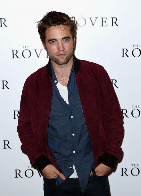 Robert Pattinson, prima aparitie in public alaturi de noua sa iubita: cine este si cum arata cea de care s-a indragostit actorul