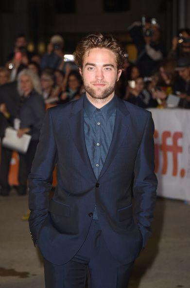 Atacul dur al fanelor fata de noua iubita a lui Robert Pattinson:  Sunt socata si dezgustata . Ce comentarii rasiste au facut la adresa ei