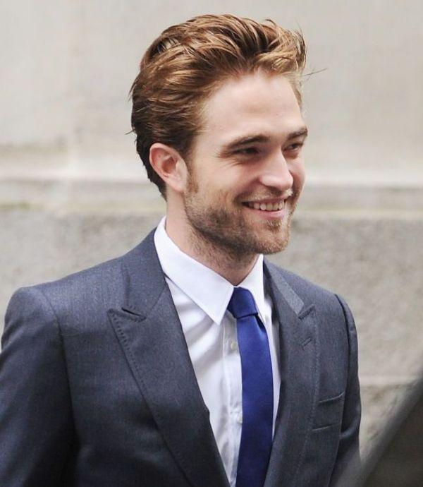 Noua iubita a lui Robert Pattinson, aparitie spectaculoasa la un concert. Ce outfit indraznet a purtat