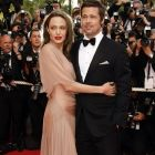 Brad Pitt, invitat in show-ul lui Zach Galifianakis,  Between Two Ferns . Actorul a fost tinta unor ironii legate de mariajul cu Angelina Jolie