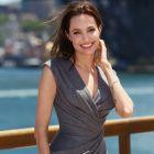 Angelina Jolie renunta la cariera de actrita pentru cea de regizoare:  Ma simt mai bine in spatele camerelor de filmat
