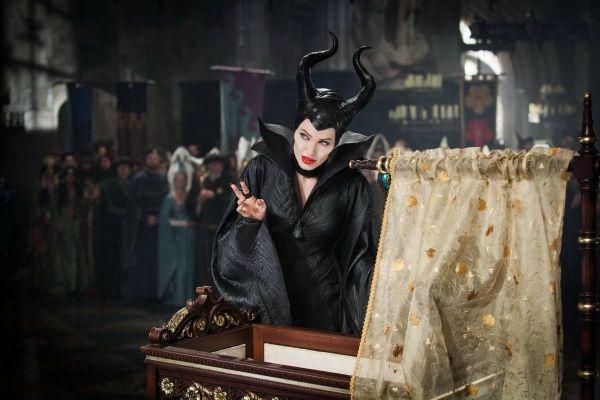Maleficent , Robert Downey Jr si Jennifer Lawrence, premiati la gala People s Choice Awards