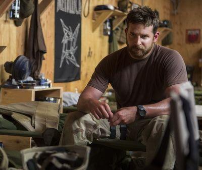 American Sniper , film cu 6 nominalizari la Oscar si cu Bradley Cooper in rol principal, de vineri in cinematografele din Romania