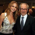O colaborare de Oscar: Jennifer Lawrence va juca intr-un film regizat de Steven Spielberg, despre viata celebrei fotografe de razboi Lynsey Addario