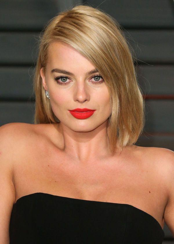Ea este una dintre cele mai frumoase actrite de la Hollywood: cum a fost surprinsa Margot Robbie alaturi de iubitul ei, inainte de a incepe filmarile la Suicide Squad