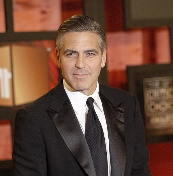 Mega actori cu salarii foarte mici. Cat castigau Oprah, George Clooney sau John Travolta inainte sa fie celebri