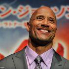 Dwayne Johnson ar putea juca in remake-ul unui film cult al anilor  80. The Rock vrea  Scandal in cartierul chinezesc