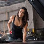 Michelle Rodriguez si-a aratat abdomenul sculptat, in vacanta, in Franta: cat de bine arata la 37 de ani actrita din franciza Fast and Furious