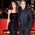 Festivalul de Film de la Berlin. George Clooney si sotia sa, aparitie impecabila pe covorul rosu, la premiera  Ave, Cezar , din deschiderea editie din acest an