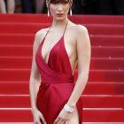 Parada rochiilor decupate la Cannes. Modelul Bella Hadid a purtat cea mai sexy rochie din istorie