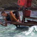 Blake Lively trebuie sa supravietuiasca singura, in larg, dupa ce e atacata de un rechin. Vezi primul trailer complet pentru thrillerul The Shallows