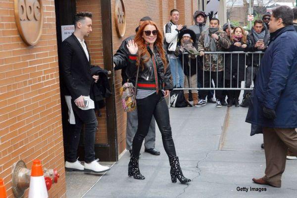 Lindsay Lohan va prezenta un show de farse ce va fi difuzat pe retelele de socializare. Ce a fost nevoita sa faca prima victima