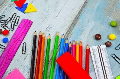 (P) 5 trucuri simple pentru organizarea rechizitelor școlare