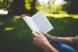 (P) Ce mai citim in weekend: 5 carti perfecte pentru zilele ploioase