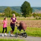 (P) Ești o mamă sportivă? Cum să alegi căruciorul potrivit pentru jogging