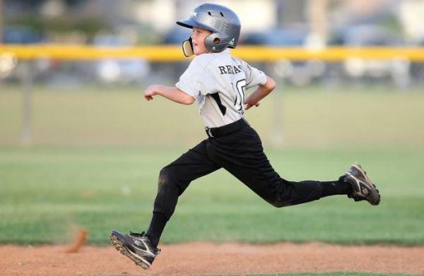 (P) Cum alegi încălțămintea de antrenament pentru copii