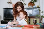 (P) Cum sa îți ajuți copilul la teme