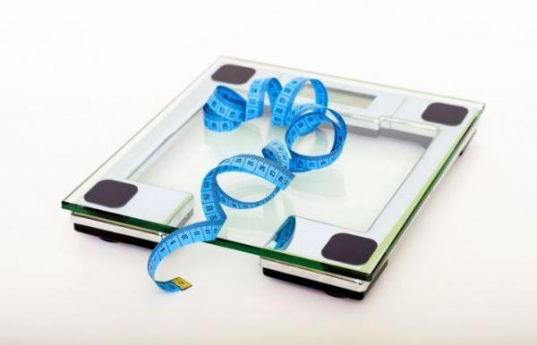 (P) 5 trucuri ca să nu te abați de la dietă în timpul weekendurilor