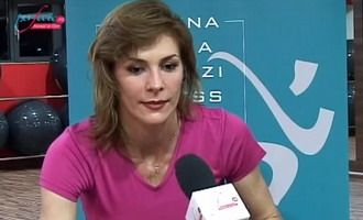 Roxana Ciuhulescu a renuntat la parasutism si alpinism pentru Kangoo Jumps! VIDEO