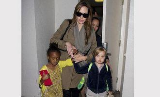 Shiloh, fiica Angelinei Jolie si a lui Brad Pitt, prefera jucariile pentru baieti