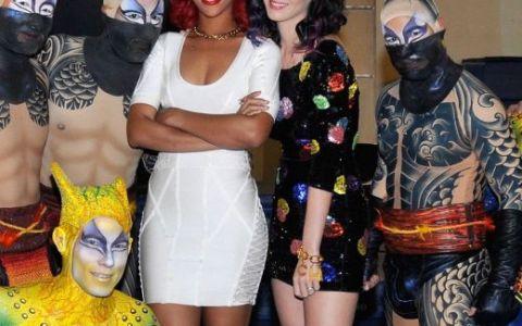 Katy Perry, petrecerea burlacitelor cu tort erotic, Rihanna, piscina si circ FOTO