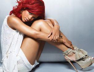 Rihanna isi socheaza fanii cu un post mega vulgar pe Twitter! Vezi despre ce e vorba!
