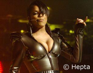 Janet Jackson provocatoare in costum de piele! GALERIE FOTO