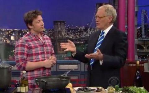 Jamie Oliver, suparat pe America:  Nici nu ajung bine intr-o scoala, ca ma si dau afara!