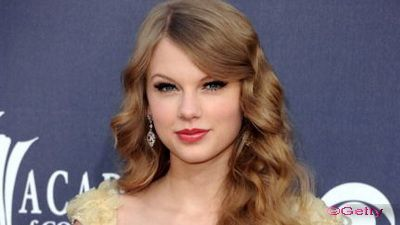 Iubire de fiica: Taylor Swift le-a cumparat parintilor o casa de 1.4 milioane de dolari!