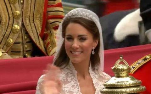 Esti foarte frumoasa!  Ce i-a spus printul William lui Kate in ziua nuntii! Vezi FOTO