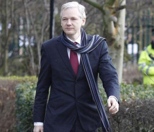 Julian Assange, Nelson Mandela si Dalai Lama, medaliati cu aur!