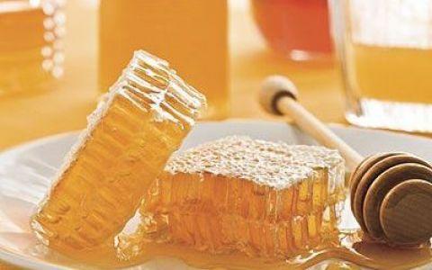 Mierea romaneasca indulceste mesele strainilor