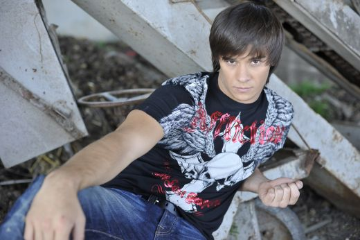 Dima - un moldovean care cucereste Romania cu  La-La Band
