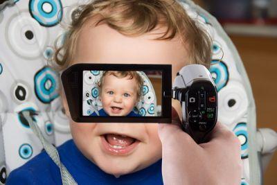 Bebelusii fac senzatie pe net! Vezi top 10 cele mai vizionate filmulete