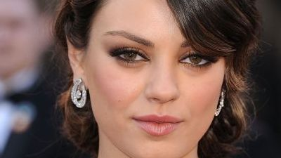 Mila Kunis, numita cea mai de treaba celebritate de pe planeta. Vezi aici motivul