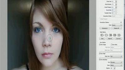 Nimeni nu este perfect! Transformarea incredibila a unei femei cu ajutorul Photoshop-ului! VIDEO