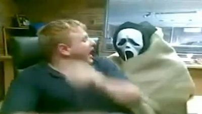 Cele mai tari farse: Te sperii sau razi VIDEO