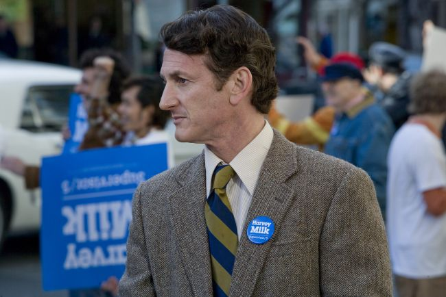Sean Penn, un politician gay in  Milk , pe voyo.ro